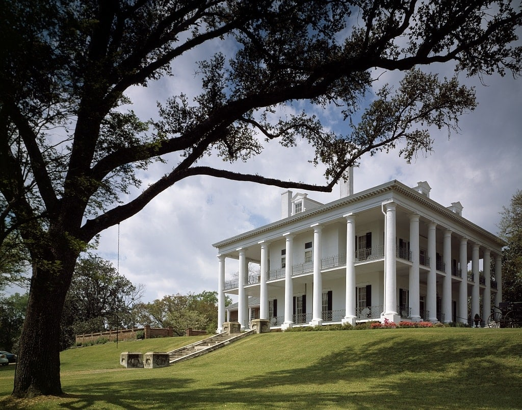 Dunleith antebellum mansion in Natchez, Mississippi