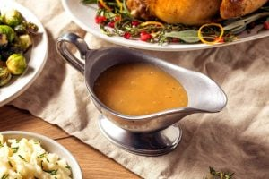 Easy homemade classic turkey gravy