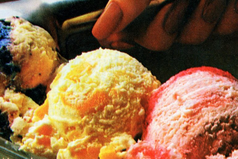 Easy homemade strawberry ice cream retro recipe 1980s (1)