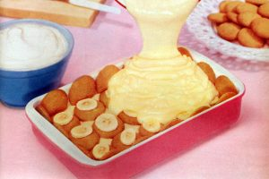 Easy vintage banana pudding with vanilla wafers recipe - 1956