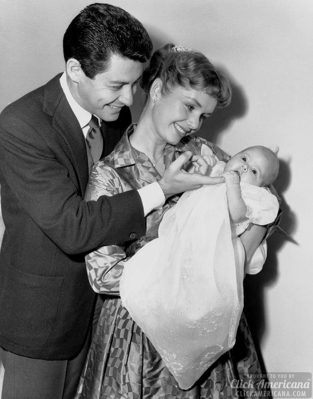 eddie-fisher-and-debbie-reynolds-with-baby-carrie-fisher