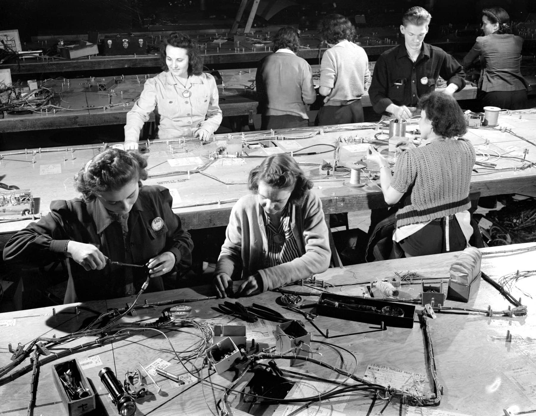 Electrical wiring assemblies for B-17F