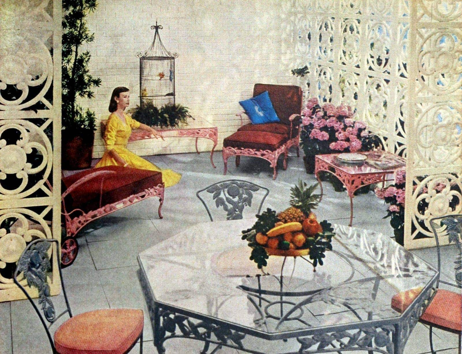Elegant outdoor backyard decor from 1960