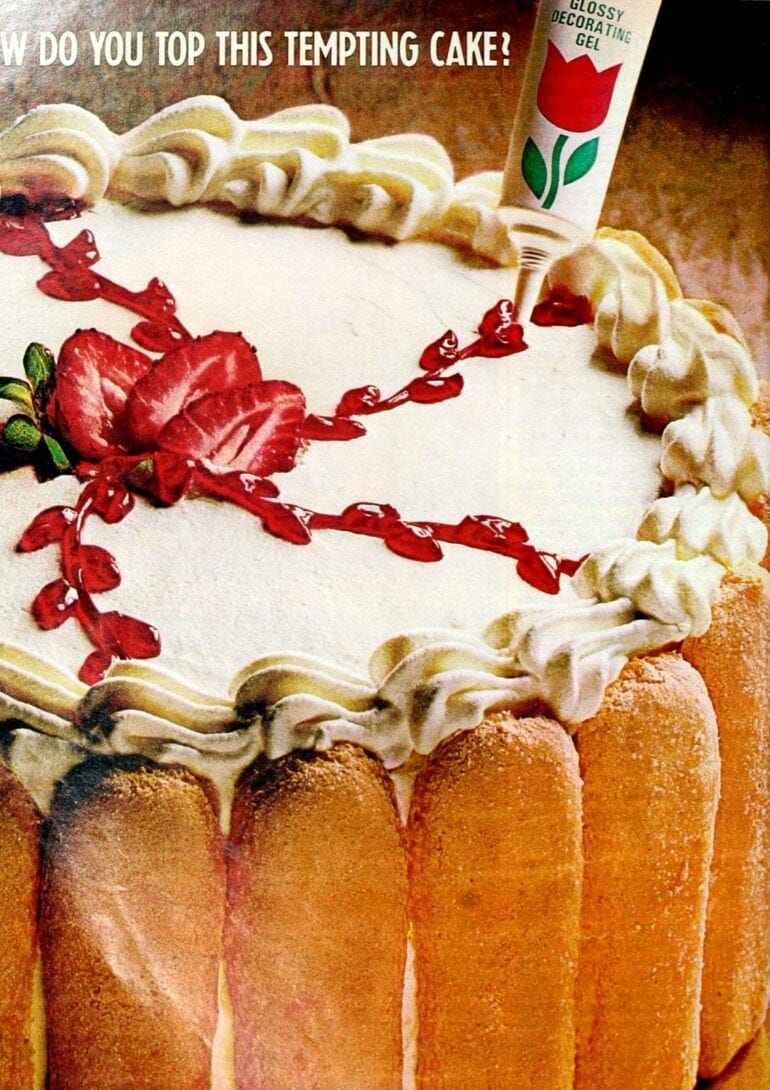 Elegant strawberry apricot cakev