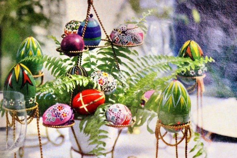 Elegant vintage Easter egg crafts