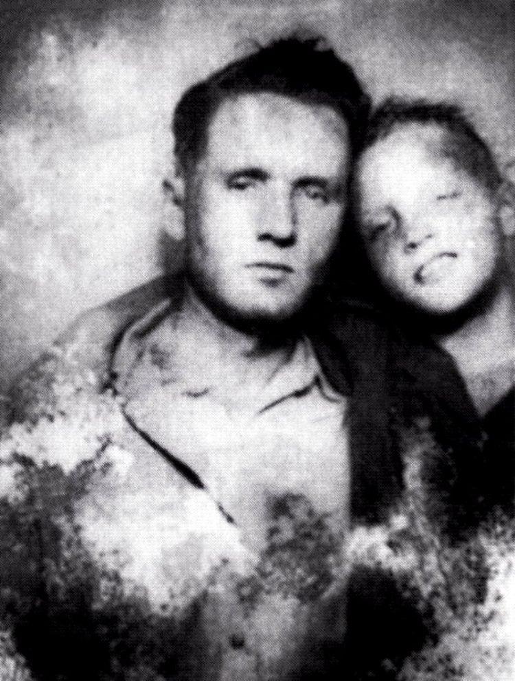 Elvis Presley with his father Vernon Presley