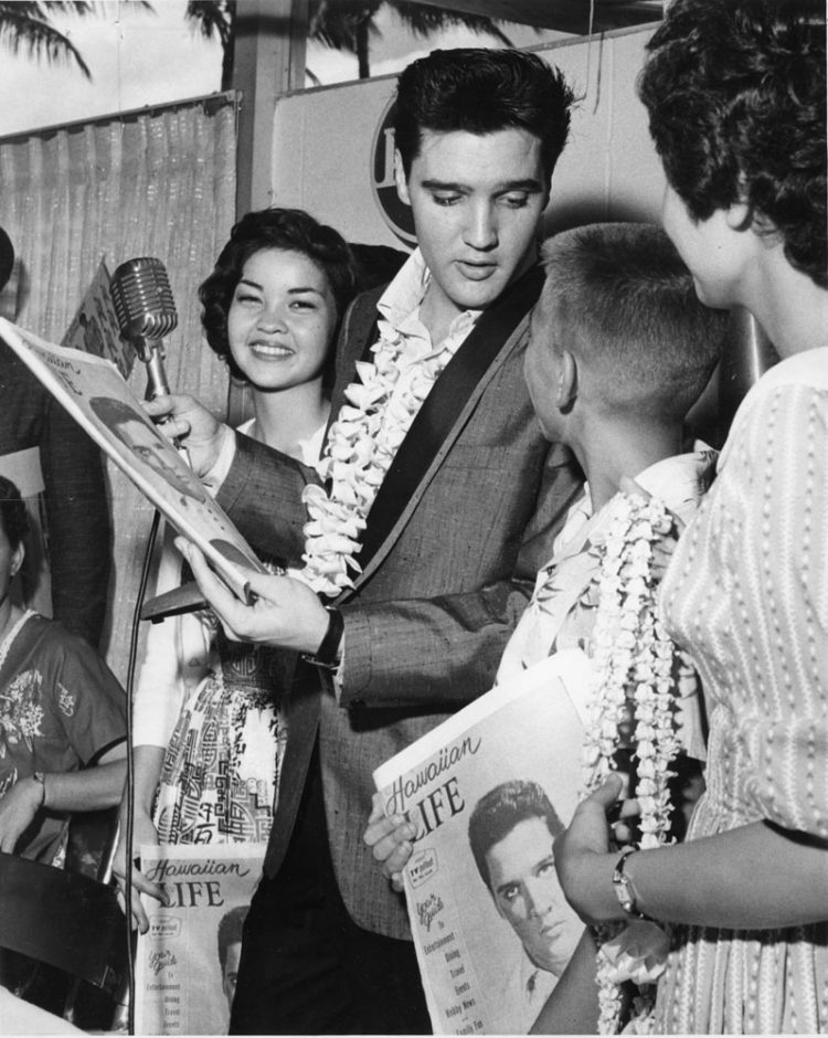Elvis with fans in Hawaii 1961