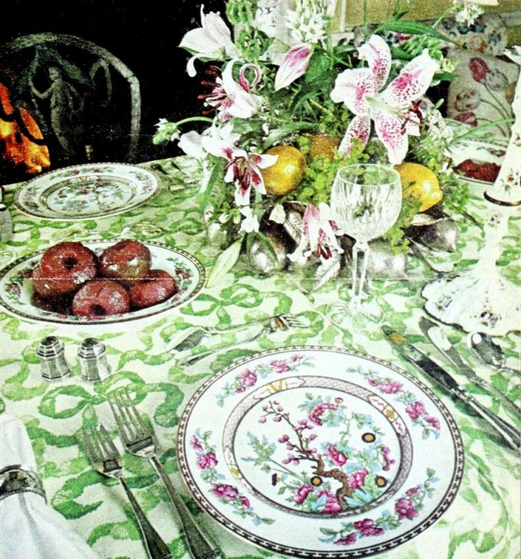 English country table settings from 1977