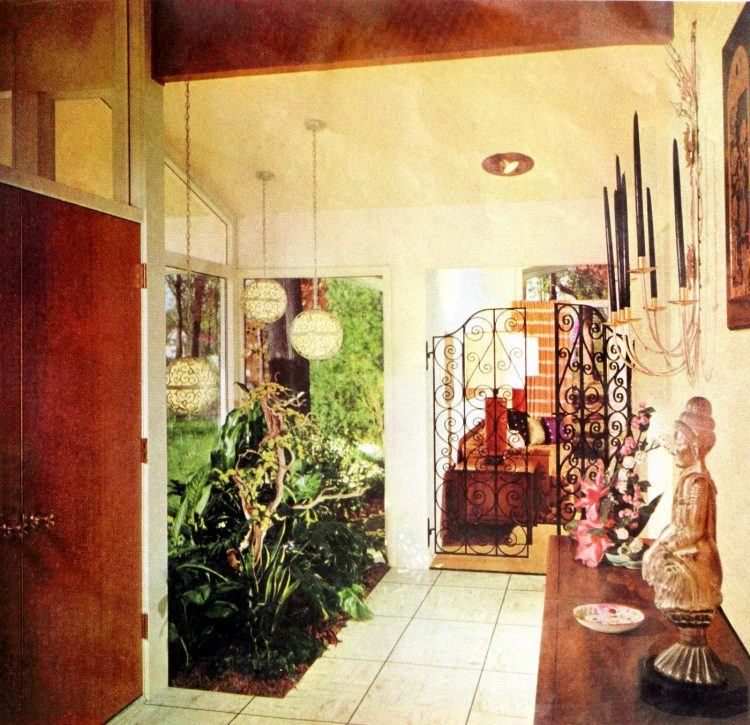 Entry hall foyer - Vintage sixties Scholz Mark 60 house