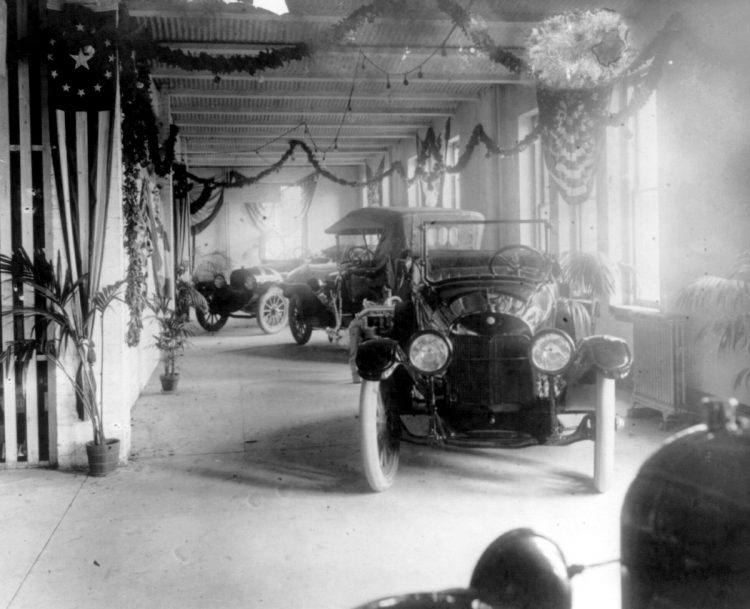 Exhibits at the Washington, D.C. auto show, March 3-10, 1917