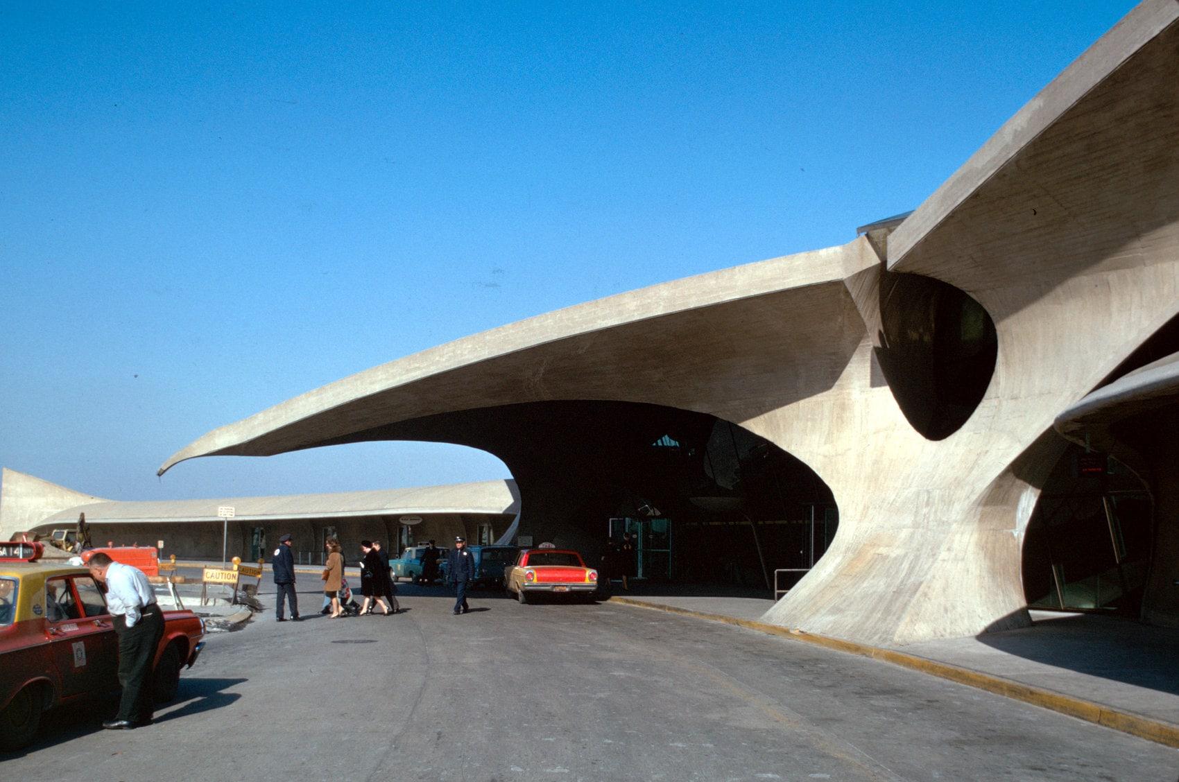 Exterior TWA terminal at Idlewild (John F Kennedy Airport), New York
