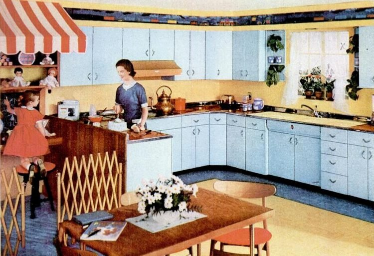 Family-centric 1955 Youngstown kitchens