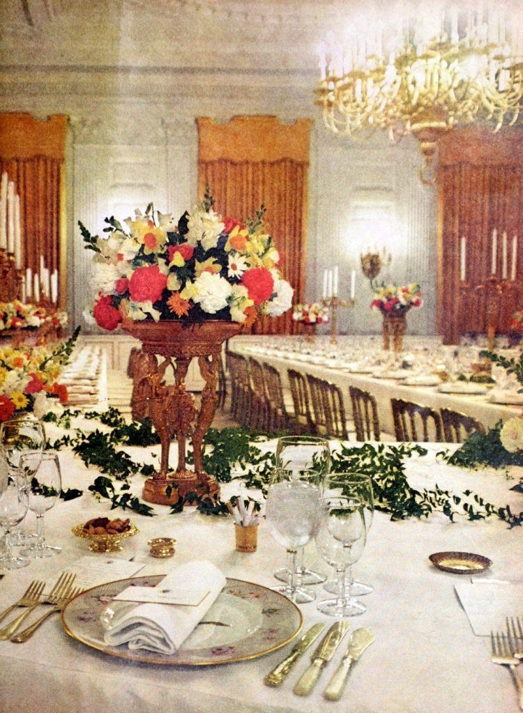 Fancy vintage tablesettings for a large party 1970