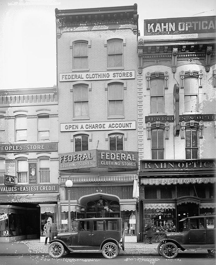 Federal Clothing Store, 621 7th St c1920