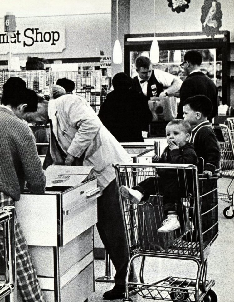 Food Giant vintage grocery store - 1962 14