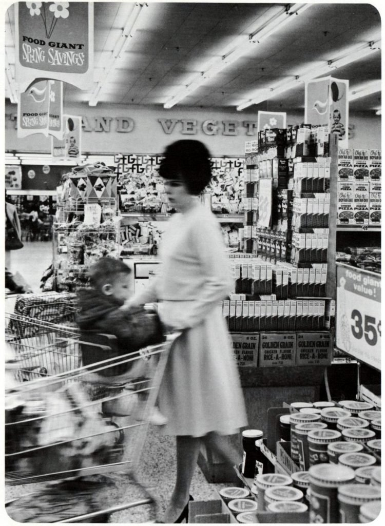 Food Giant vintage grocery store - 1963 4