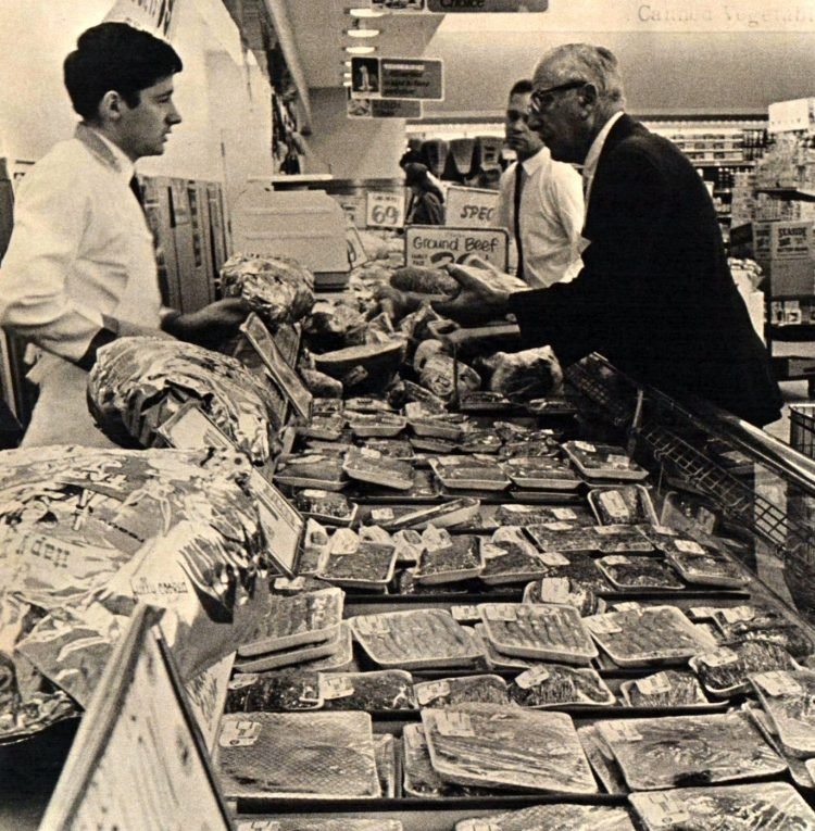 Food Giant vintage grocery store - 1965 4