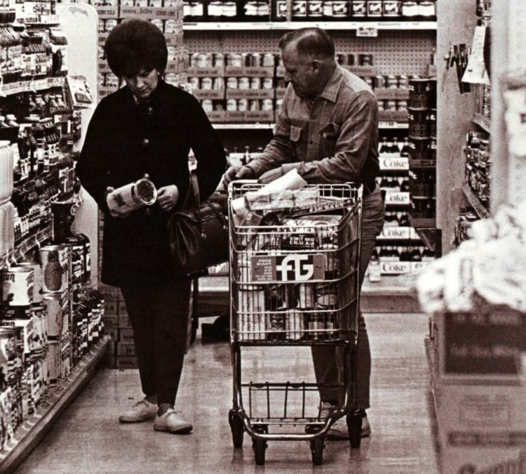 Food Giant vintage grocery store - 1966 1