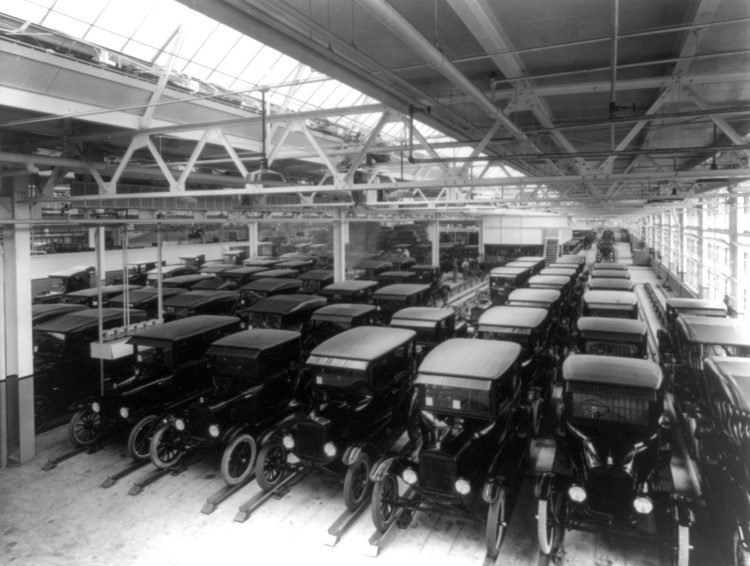 Ford Motor delivery department 1925