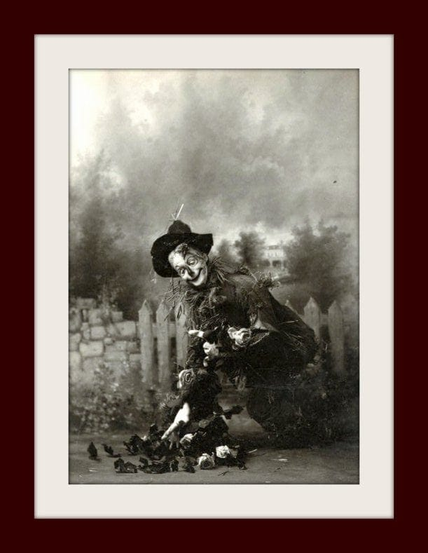 Fred Stone in the original Wizard of Oz as the Scarecrow c1902 - Freaky (1)