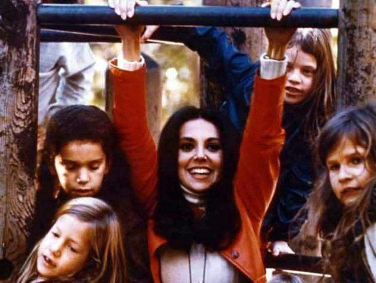 Free To Be You And Me - Marlo Thomas and kids