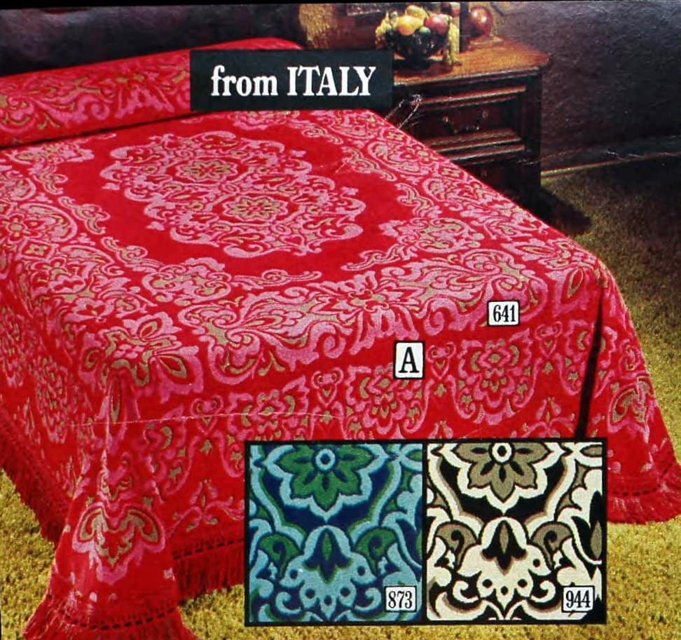 From Italy - Reversible bedspread with rich, baroque medallion design (1970s)