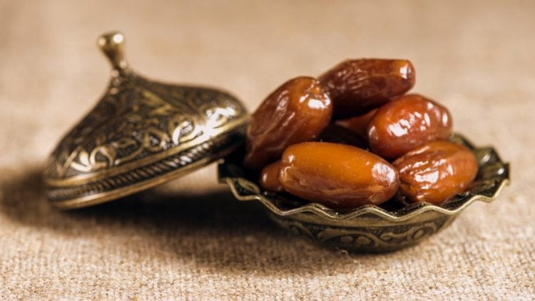 Fruit - dates - traditional food