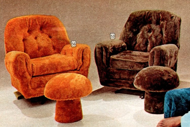 Funky vintage chairs and toadstool ottomans from 1973 (3)
