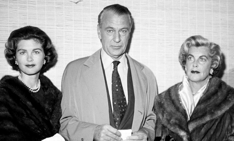 Gary Cooper with his wife and daughter in the 1950s