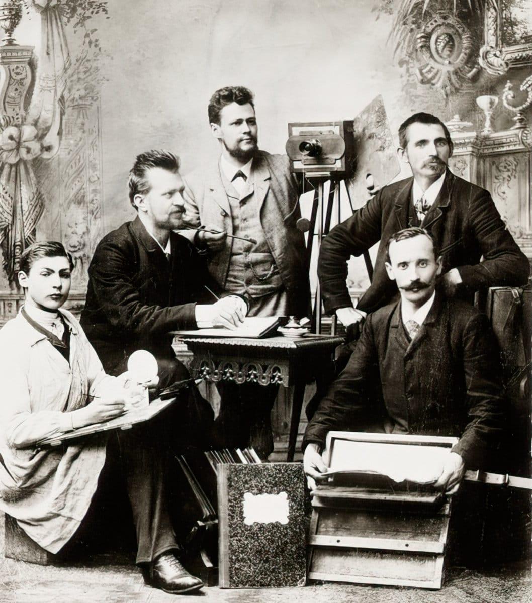 German photo studio team selfie - The Kodak Collection at the National Media Museum (1890) at ClickAmericana com