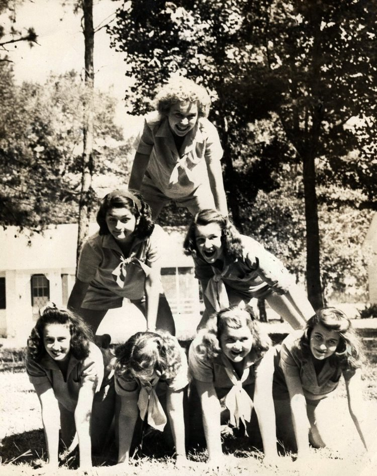 Girl Scouts in a pyramid - 1945