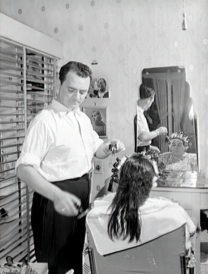 Giving a woman a perm or set in the 1940s