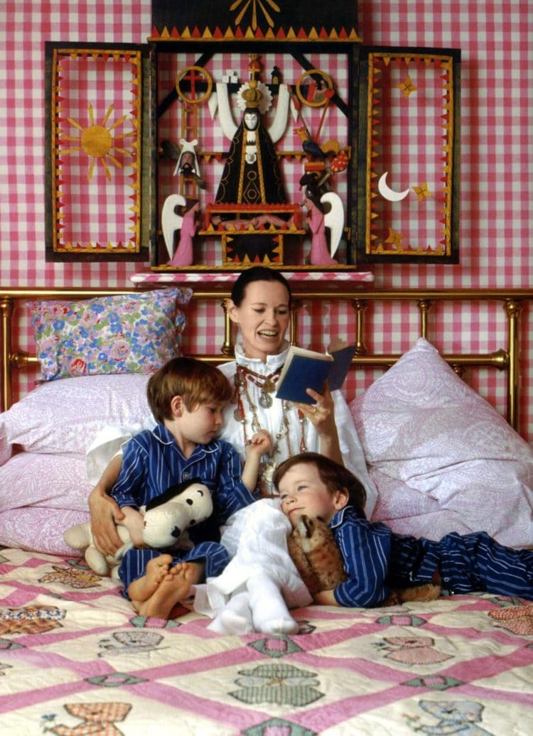 Gloria Vanderbilt with sons Carter and Anderson Cooper - 1972