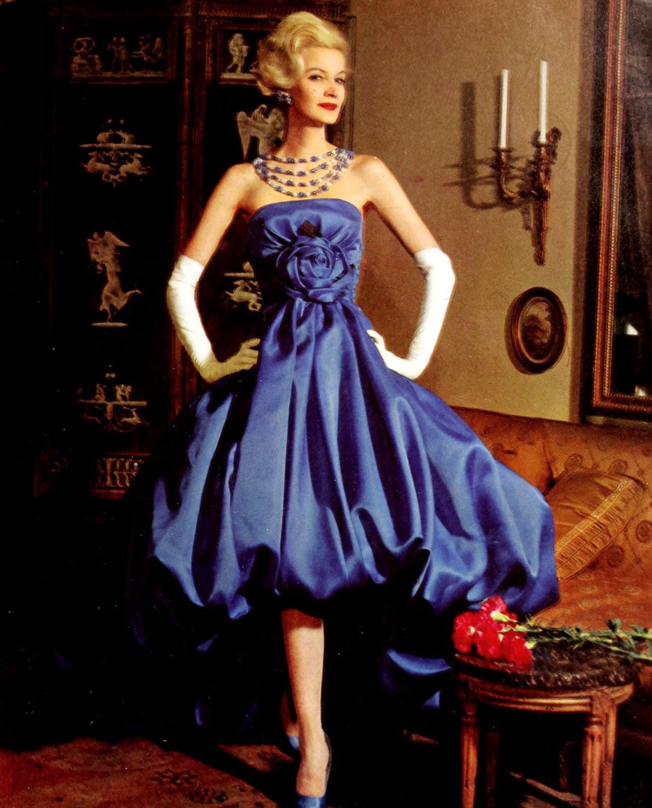 Gloves add a dash of elegance (1950s)