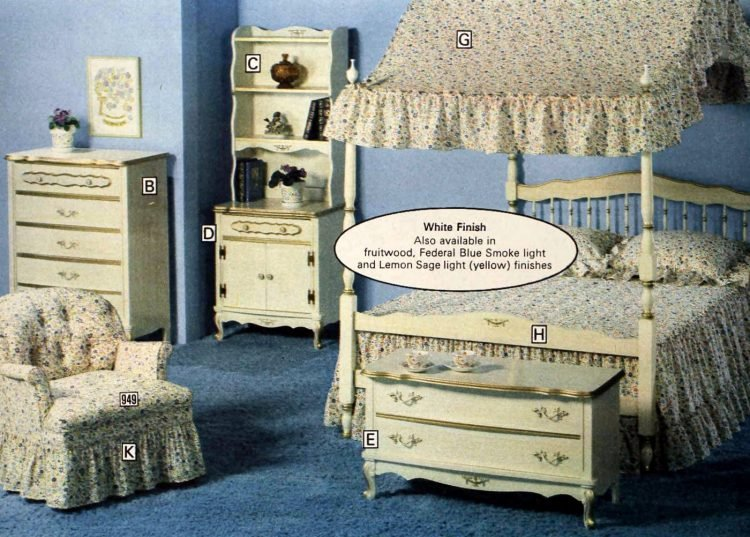 Gold-edged bedroom furniture from the 70s - 1977 (3)