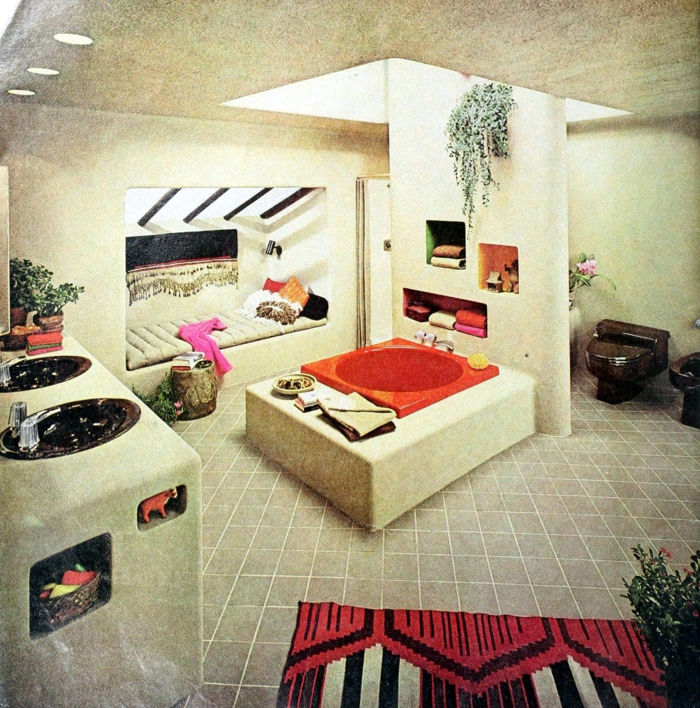 Grand retro 70s bathroom suite with orange tub and day bed