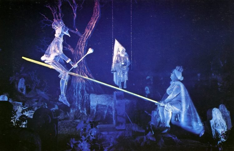 Graveyard ghosts - Disneyland (1)