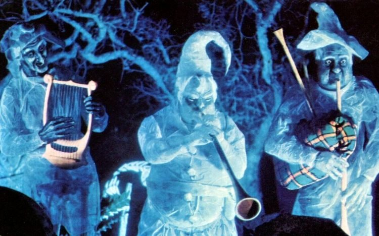 Graveyard ghosts - Disneyland (2)