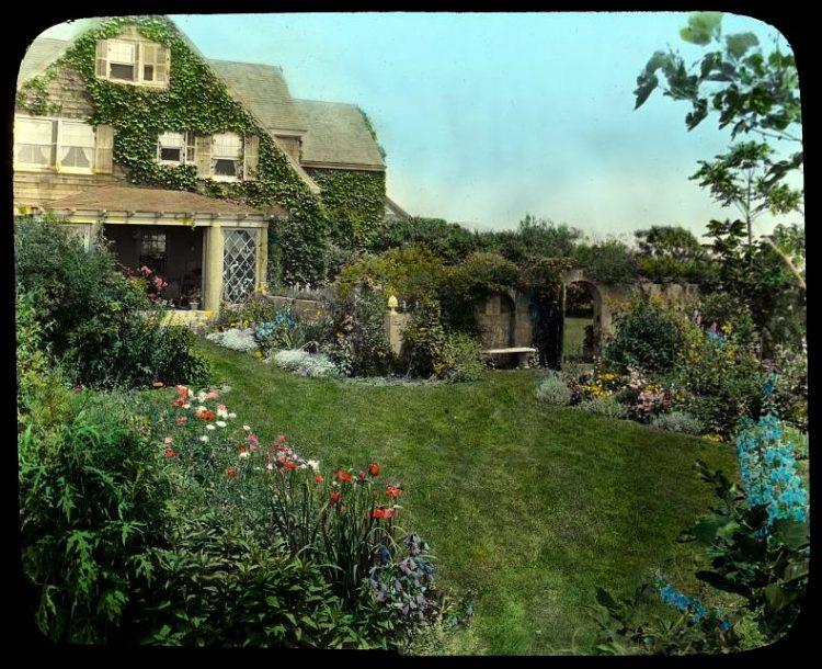 Gray Gardens - Hamptons NY 1916 Pathway to sun room