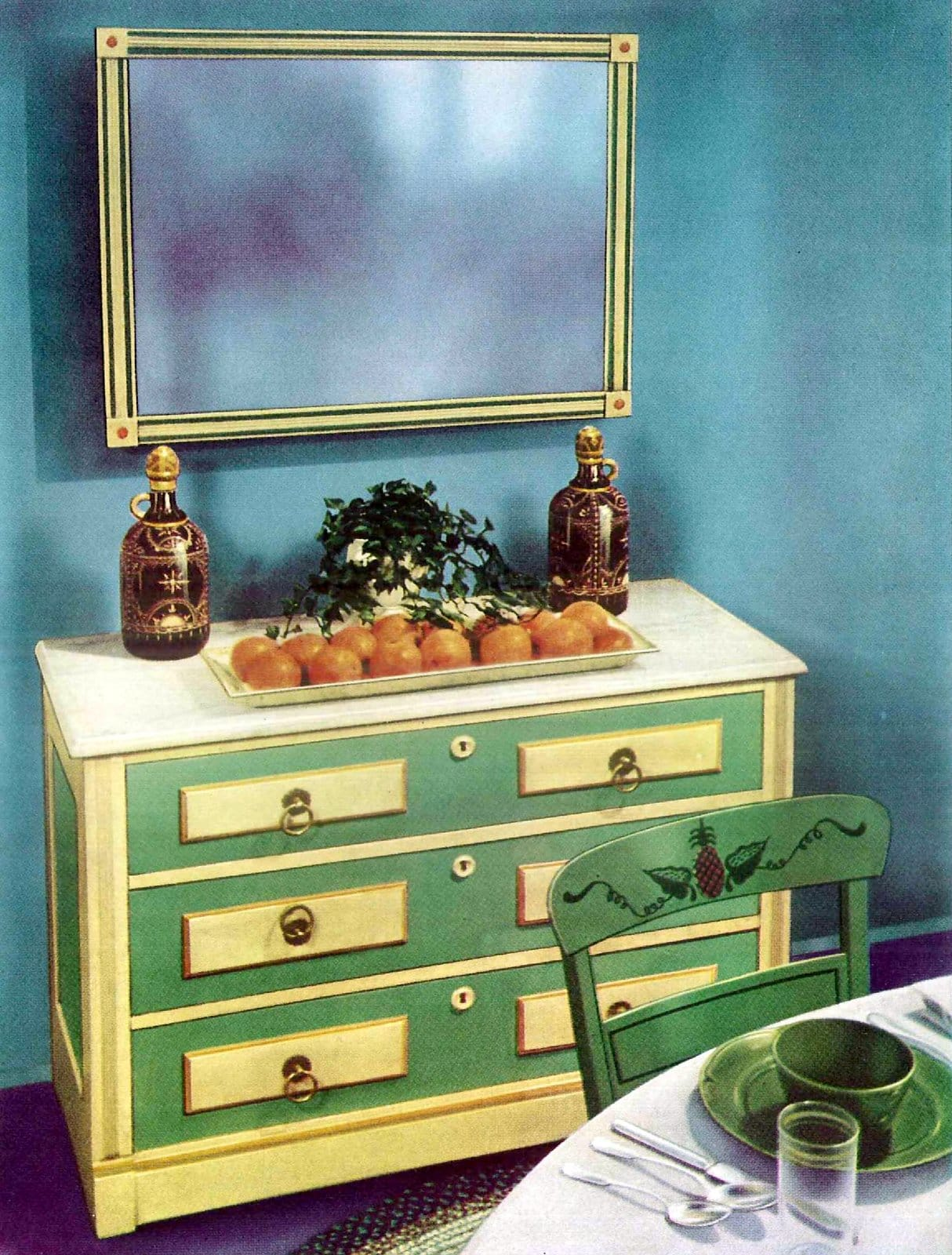 Green and cream drawers with decorative paintwork (1940s)