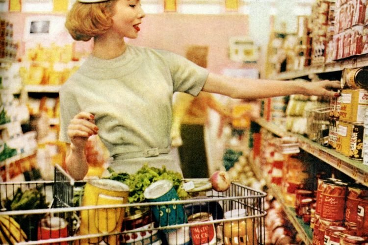 Grocery shopping in the 50s - 1958