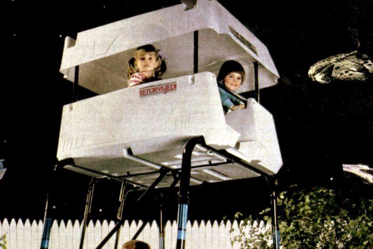 Gym-Dandy Scout walker command tower with Speeder bike rider play set (1984)