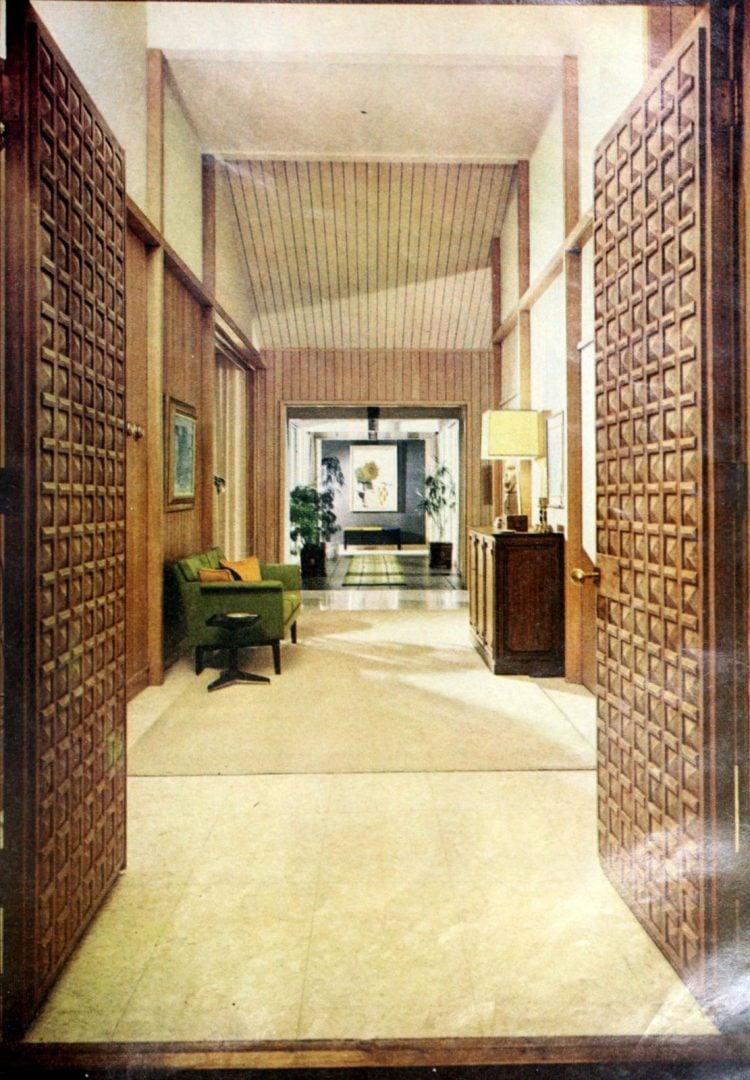 HG magazine Hallmark House 1963 - Entry hall