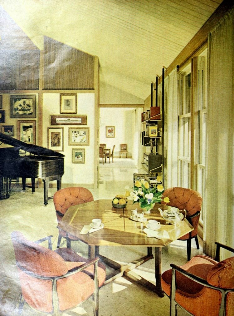 A Mid Century Modern Show Home See H G S Hallmark House For 1963 Click Americana