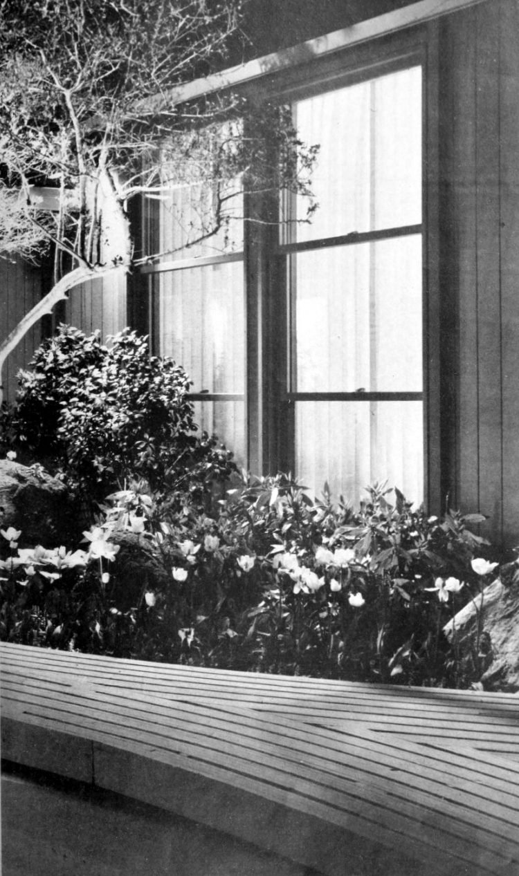 HG magazine Hallmark House 1963 - Vintage home design decor (5)