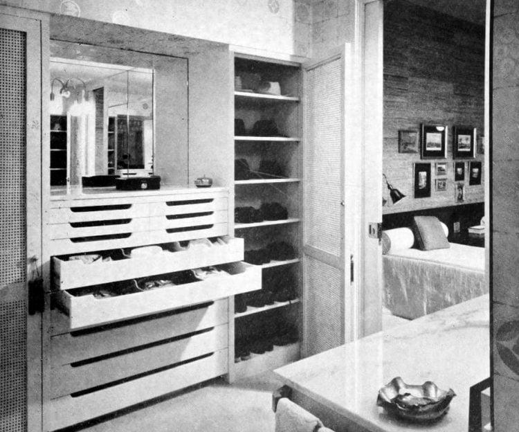 HG magazine Hallmark House 1963 - Vintage home design decor (9)