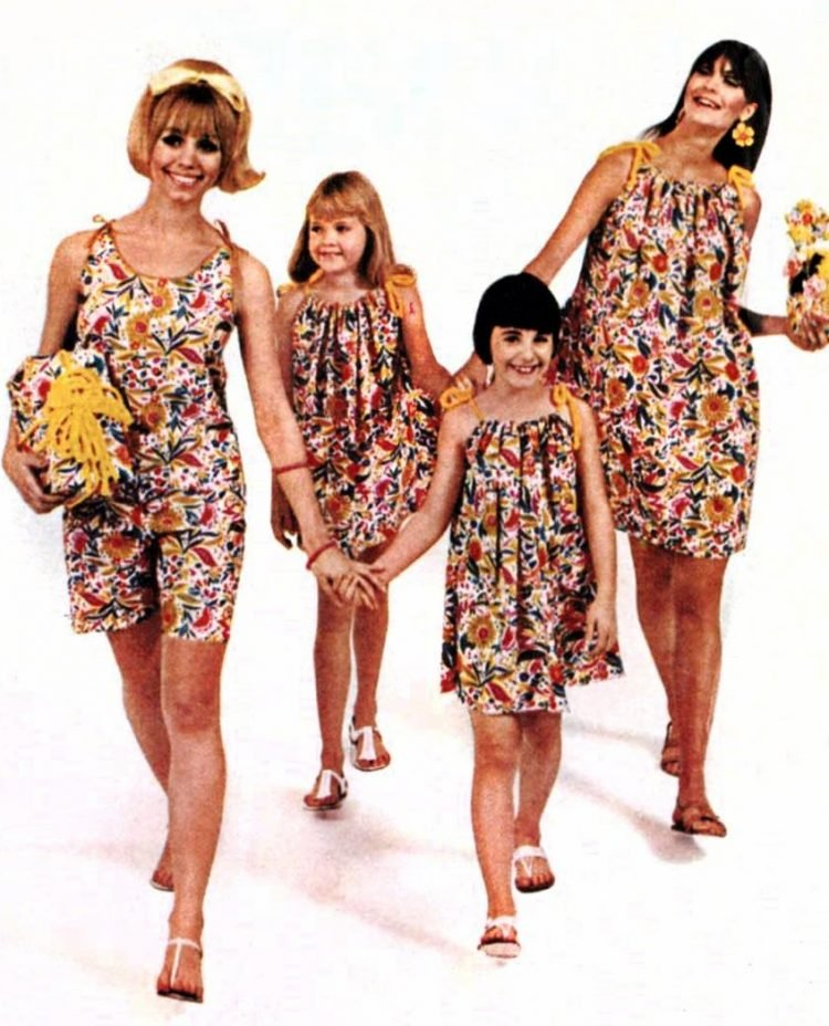 Hallmark paper dresses from the 60s - PaperFunAlia - Florescense party fashions