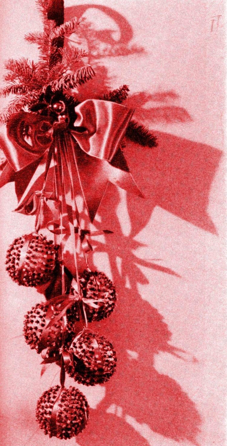 Hanging pomander balls from 1959