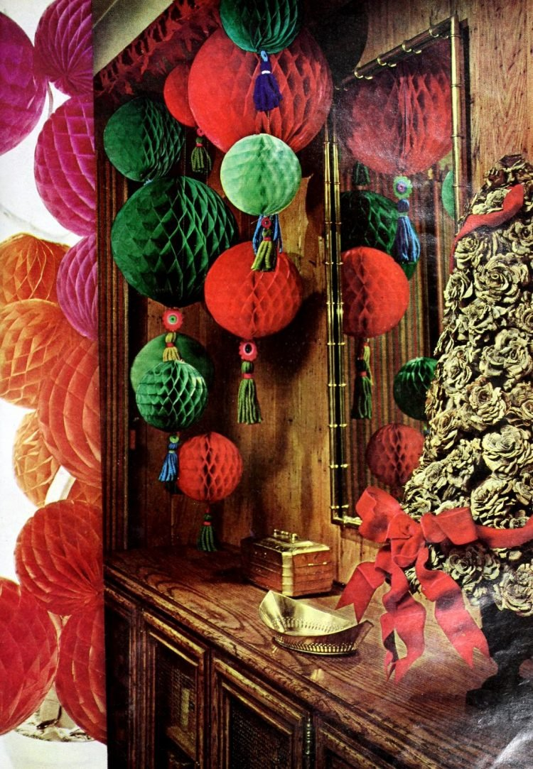 Happy vintage 60s holiday decor - paper balls in red and green