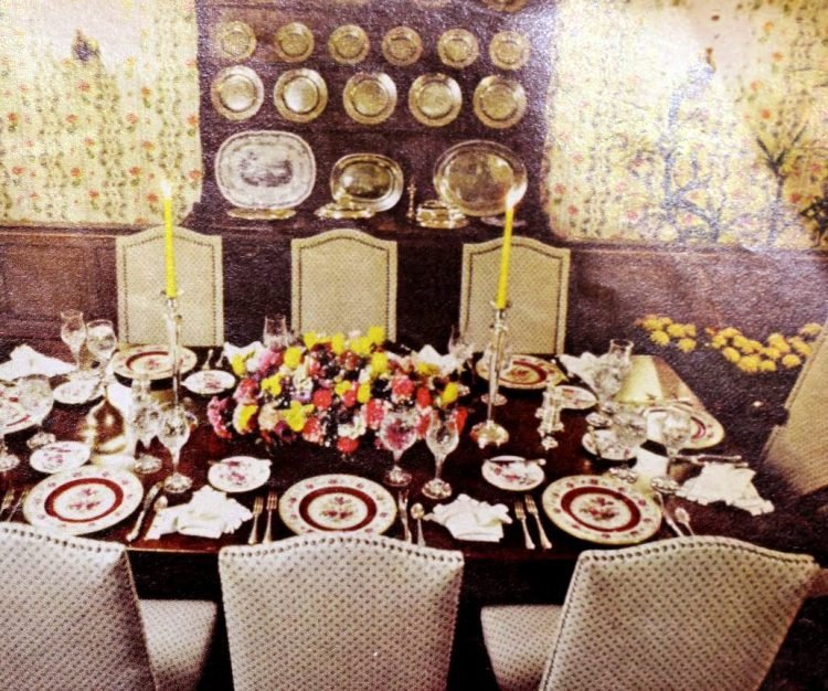 Helen Reddy's dining room - Home interiors from the 70s